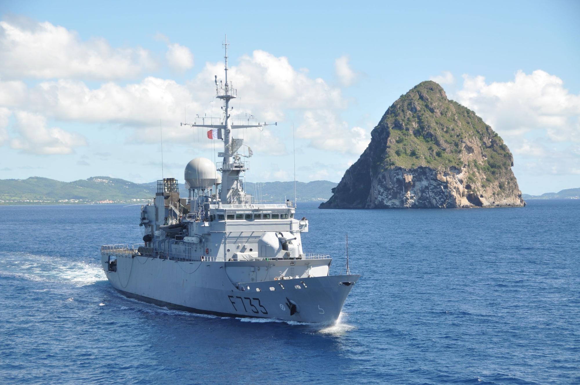 Aide internationale. Photo Naval Vessels - France