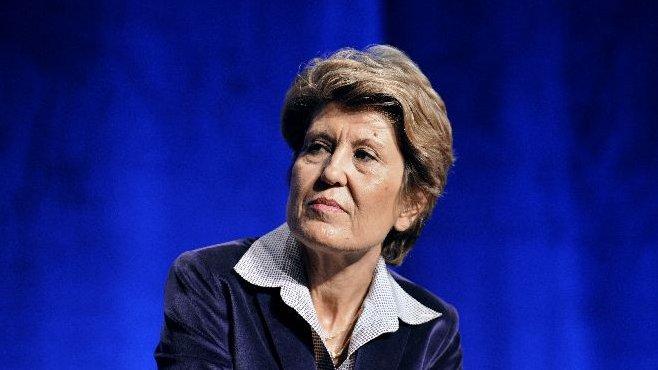 Ne pas confondre Annick et Brigitte  Girardin. Annick 52 ans, nommée Ministre des Outre-mer .