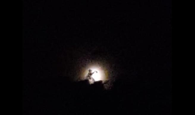 David Macaire voit un drôle de personnage dans l'éclipse de lune !