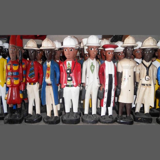 Statuettes à l'image de la colonisation
