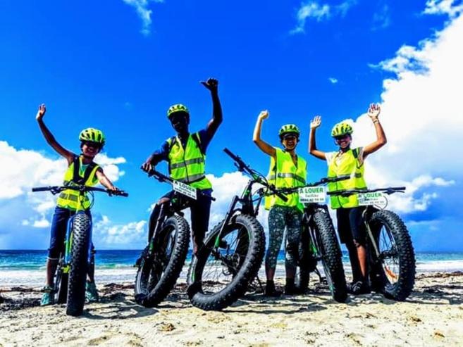 Ils veulent des pistes cyclables en Martinique #giletsjaunespistescyclablesmarti