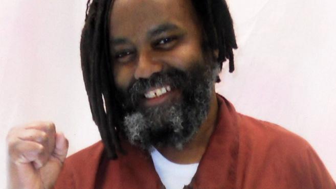Au bout de 36 ans, Mumia Abu-Jamal ex-condamné à mort, obtient le droit de faire appel de sa condamnation par Gilbert Pago