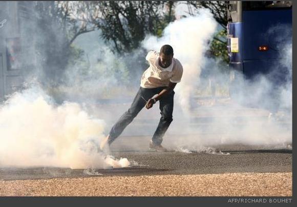 4. LA REVOLTE GRONDE DANS LA POLICE...ET LE PREFET VEUT TOUT ETOUFFER ! Par le Naïf  Rédaction du Naïf: