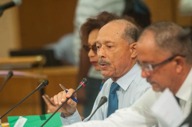Le président Claude Lise a déjà indiqué son inquiétude sur le Futur