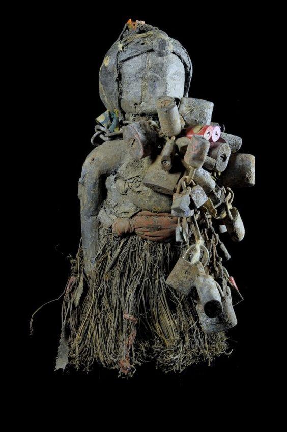 Si les Martiniquais étaient des statues, un juge d'instruction s'inquiéterait de l'eau, du chloredécone, de l'acculturation  et de la pauvreté !.
