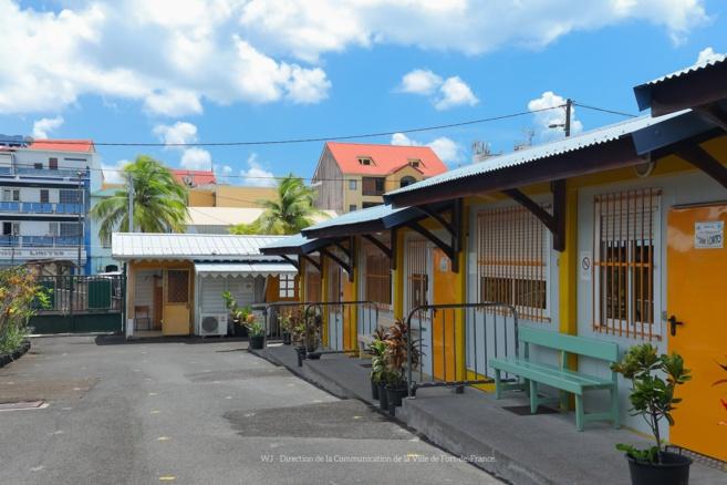 Ecole ville de Fort de France . Photo Service Com