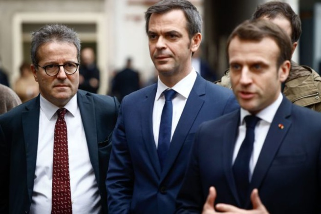 Lu pour vous / Emmanuel Macron annonce un nouveau confinement face à l'inévitable saturation des hôpitaux