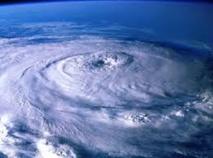Qui donne leur nom aux tempêtes ?