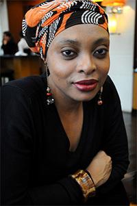 RencontreavecLéonoraMianoPrixFémina2013,prixduroman métis2013poursonroman«lasaisondel'ombre».( Article transmis par Marie Denise GRANGENOIS )