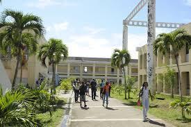 Le ouélélé autour de l'université Antilles Guyane prend-il maintenant une tournure politique?