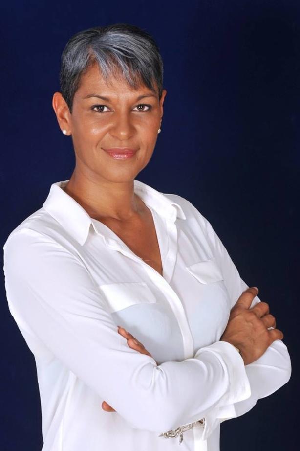 Karine MOUSSEAU: Ne lâchons rien ! Le combat continue. Je compte sur vous tous !