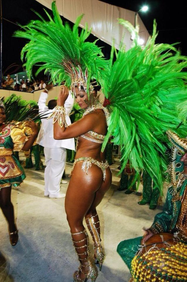 LU POUR VOUS: Pourquoi il n'y a presque pas de Brésiliens noirs dans les stades du Mondial.