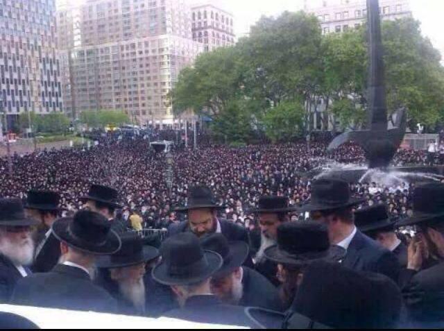 À New York, des milliers de Juifs manifestent contre le massacre de Gaza