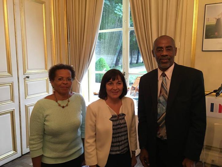 Maurice ANTISTE en présence de Mme Josiane AURORE, Directrice du Cdg :