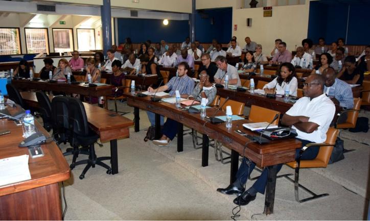Claude Lise préside la réunion du Conseil Départemental de l'Habitat et de l'Hébergement (CDHH) à l'Hôtel de l'Assemblée.