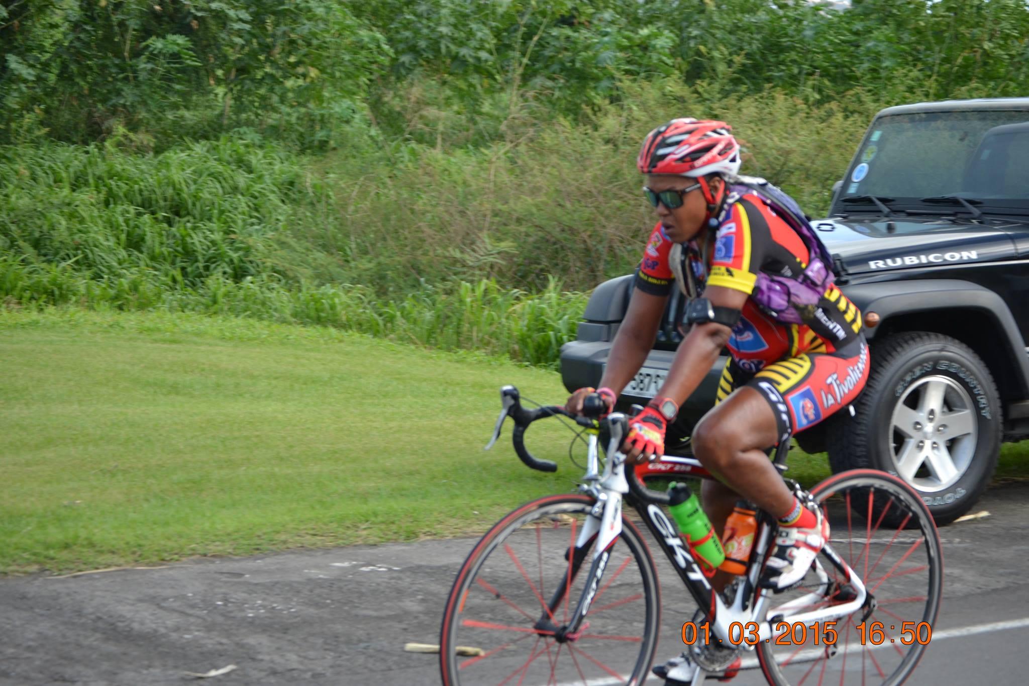Lucette à vélo un festival