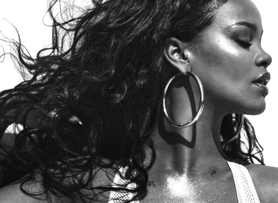 Rihanna crazy oui, But... Pas folle la guêpe !