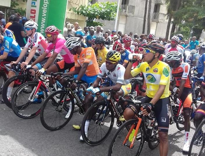 Chaque jour écoutez les commentaires de Marc Paulin sur le Tour Cycliste de Guadeloupe.