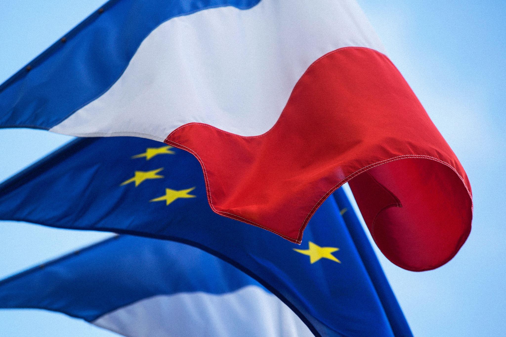 Pa voté le 25 mè ! Par le collectif contre l'Europe des capitaux !
