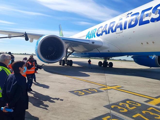 Déconfinement- Tourisme / Avant l'ouverture des plages Ils préparent leurs avions pour déverser leurs touristes !