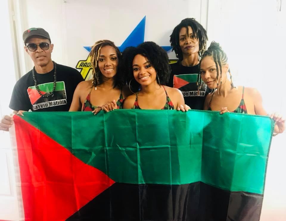 Un activiste au trou ! Les Rouges Verts Noirs reprennent du service !