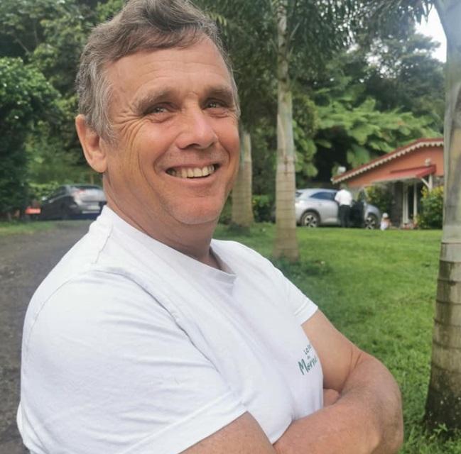 Michel La Rougerie produit des bananes bio
