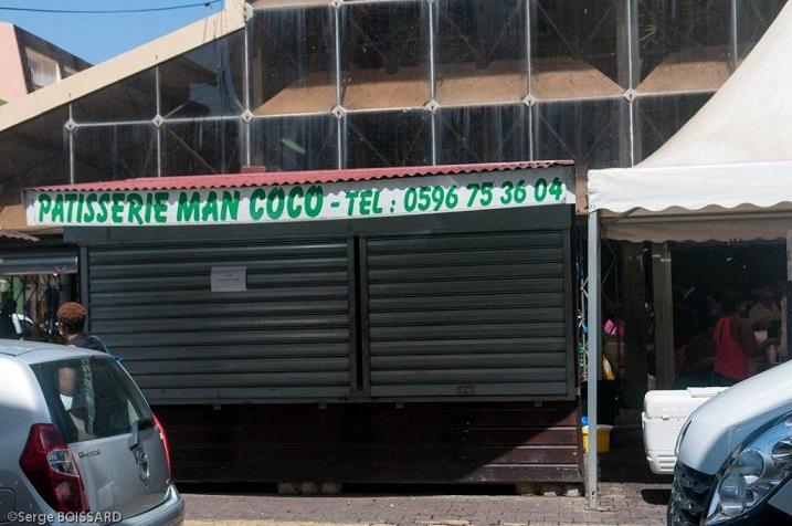 Ce samedi la 22 03 2014 la roulotte de man coco était resté fermée. Mais l'église était trop petite pour recevoir tous ceux qui étaient venus lui rendre un dernier hommage.  Adieu MADAME COCO a présen ou pa mélé enco.