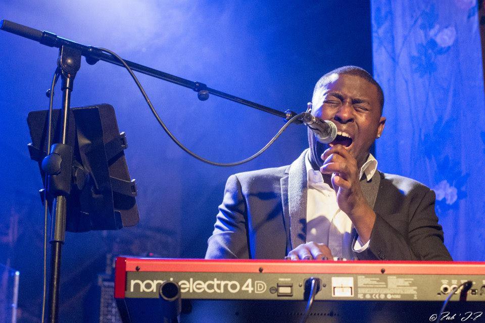 Avec sa voix Wesley gagne sa voie dans The Voice