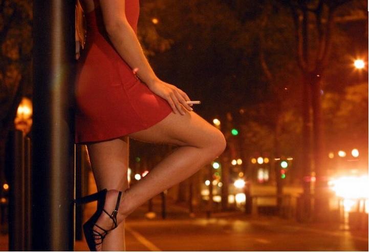 A-t'on voulu justifier la présence de prostituées aux Terres SAINVILLE?