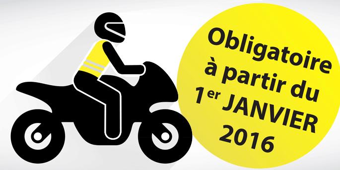 N'oublier pas qu'à partie du 1 janvier 2016 vous devez,amis motars avoir un gilet jaune dans vos poches de blouson.