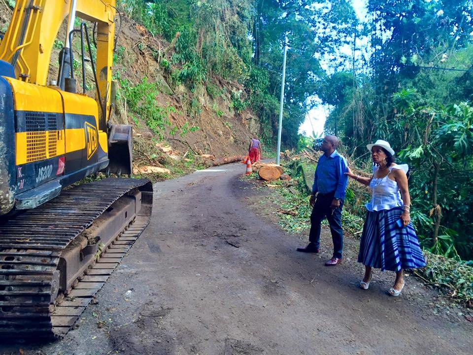 Visite de terrain ce matin sur le chantier du Morne d'Orange, avec Mme Le Maire du Morne Rouge, Jenny Dulis, élue de la CTM.