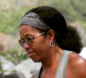 L'ancienne première dame des USA apparaît désormais avec ses cheveux au naturel.