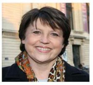 MARTINE AUBRY SUIT LES ANTILLES ET DEMANDE  NON PAS 200 EUROS... MAIS  500 EUROS !