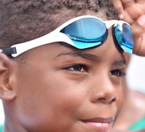 Christophe a réussi son défi : nager pour ce sein de sa mère atteinte d'un cancer !