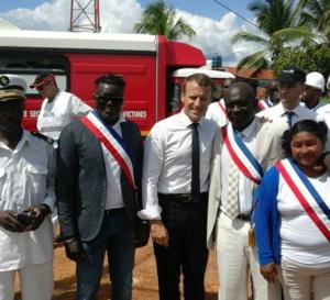Emmanuel MACRON  est en Guyane,
