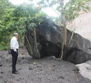 Début de l'opération de démolition de la bombe volcanique située dans la rivière du Prêcheur
