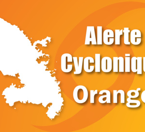 Le Préfet place la Martinique en #alerte cyclonique ORANGE à l'approche de la tempête tropicale #ISAAC.