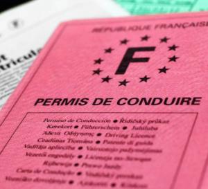 Une aide de 500 euros pour aider les apprentis à passer leur permis de conduire.