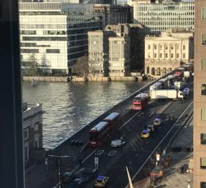 Des tirs entendus sur le pont de Londres, la police sur place !