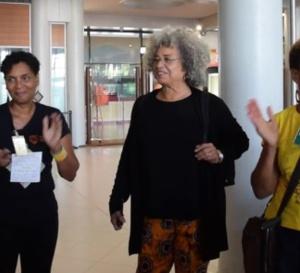 Angéla Davis en Martinique à l'initiative de l'union des femmes.