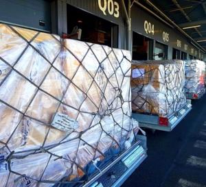 Covid 19 - Outremer  / 5 millions de masques jetables grand public, 700 000 masques textile 59 respirateurs dans l'avion