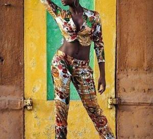 LA PENSEE DU JOUR La femme noire est belle sa peau aussi.