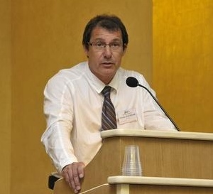 Nicolas Estienne  succédera à Daniel Riam au poste de Directeur général du CHU de Martinique (CHUM),
