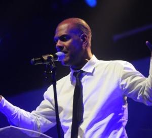 CARAIBES: Serge  LETCHIMY est-il tenu en laisse?