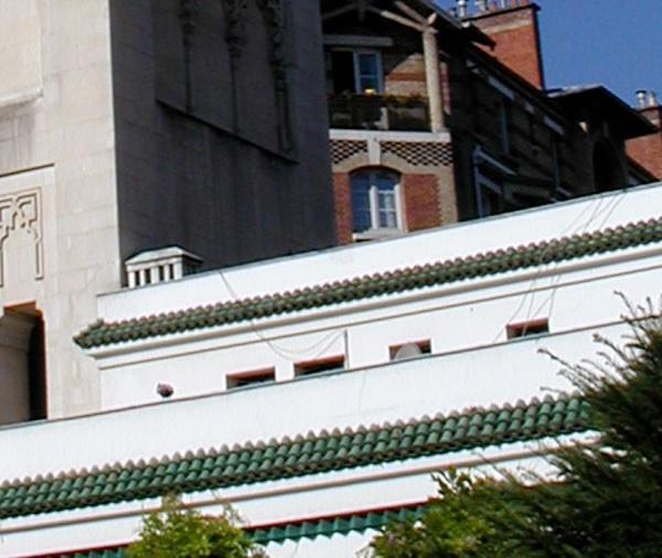 Mosquée, église, temple et synagogue ; la même porte !