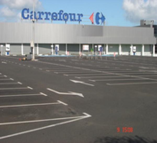 CARREFOUR : GRANDE DISTIBUTION EN CHUTE