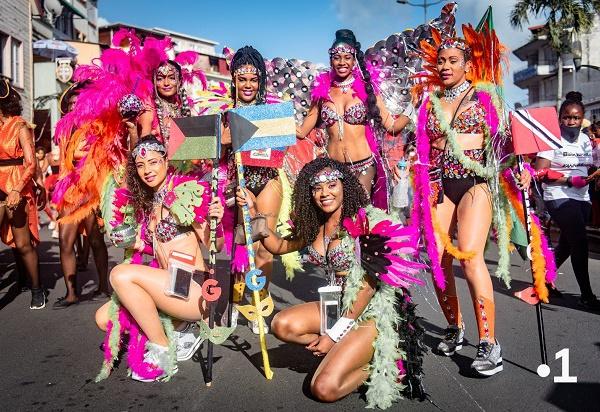 #Carnaval2019 / RFO fait de belles photos, mais ne sait plus faire de télé !