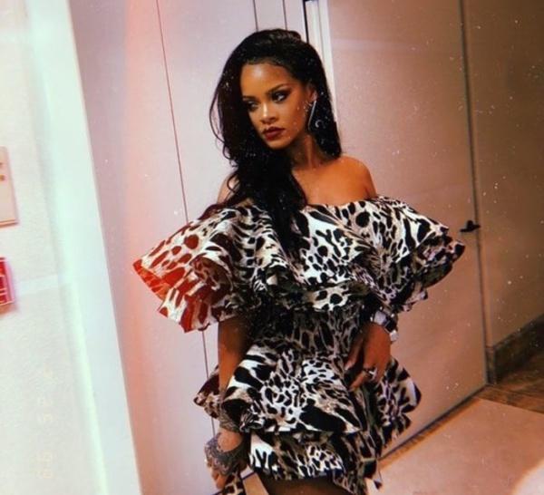 Que pensez vous de cette petite robe de Rihanna ?