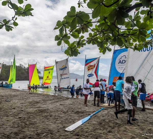 Champion de Martinique des Yoles rondes : Brasserie Lorraine/Sara Énergies Nouvelles