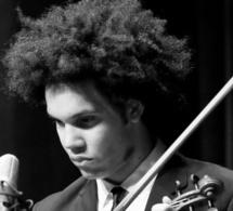 Scoot TIXIER un impressionnant violoniste. Photo Shervin Lainez.